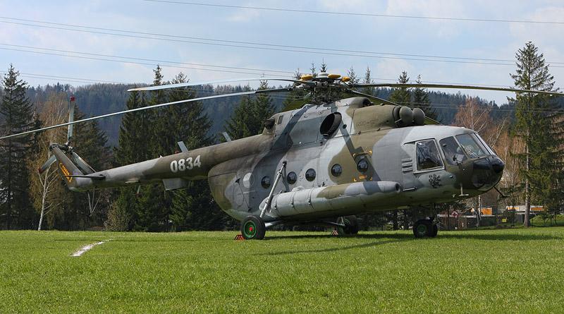 Měření zbytků radiace po havárii v Černobylu za pomoci vrtulníku Mi-17 kbelské základny