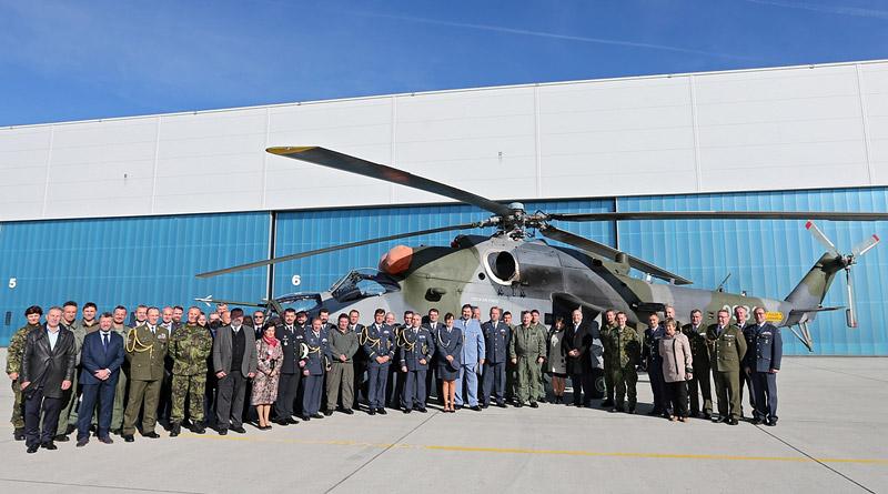 """22. základna vrtulníkového letectva """"Biskajská"""" v Náměšti nad Oslavou má nového velitele"""