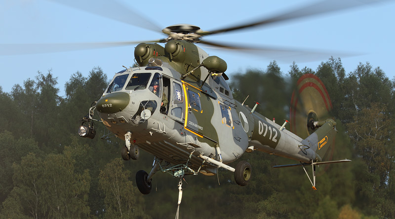 Cvičení 243. vrtulníkové letky a záchranářů horské služby na Šumavě