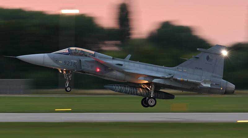 Armáda připravuje nákup NVG typu AN/AVS-9 pro piloty taktického letectva