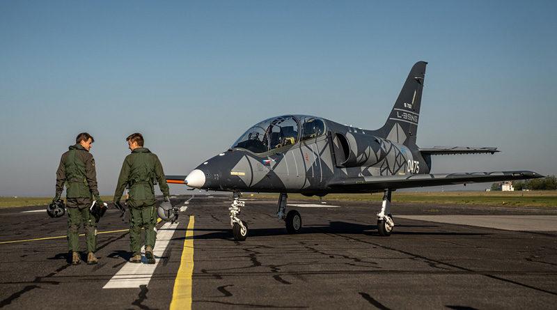 Tovární piloti Aera certifikováni pro display ukázku L-39NG