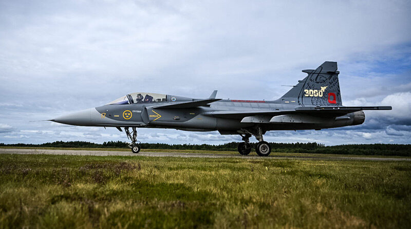 """Švédský JAS-39C """"210"""" dosáhl jako první z Gripenů náletu 3000 hodin"""