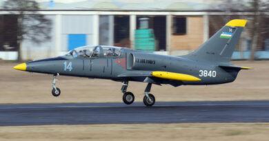 Aero předalo Uzbekistánu šest Albatrosů po generální opravě
