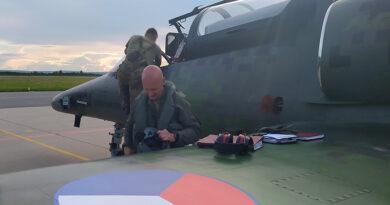 Denis Dúbravčík se rozloučil s 212. letkou nízkým průletem na L-159
